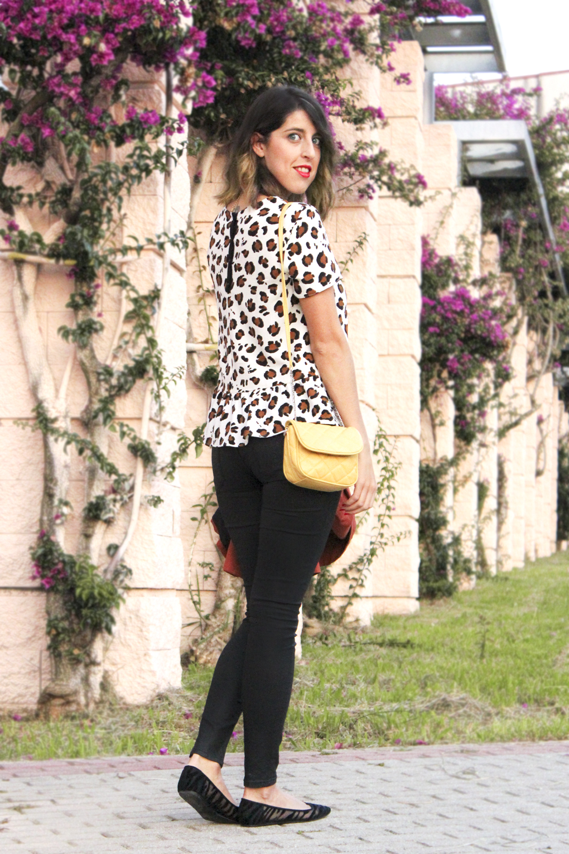blusa-peplum-estampado-leopardo