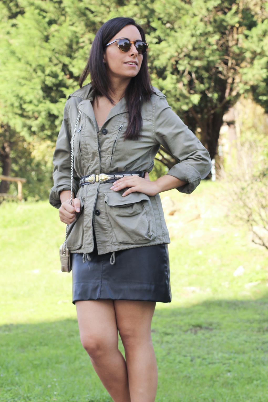 siemprehayalgoqueponerse-look-caqui-militar-cinturon-vintage