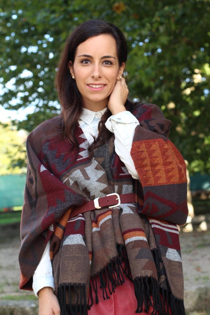 poncho-lefties-detalle-look-fashion-capa-azteca