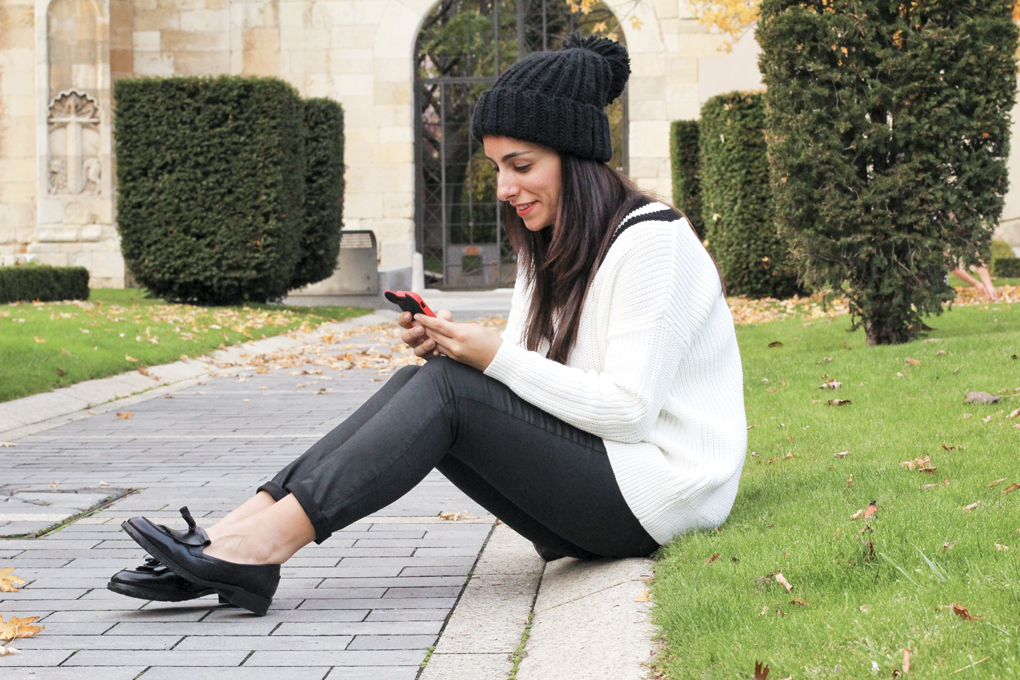 siemprehayalgoqueponerse-look-con-mocasines-outfit-blanck-and-white