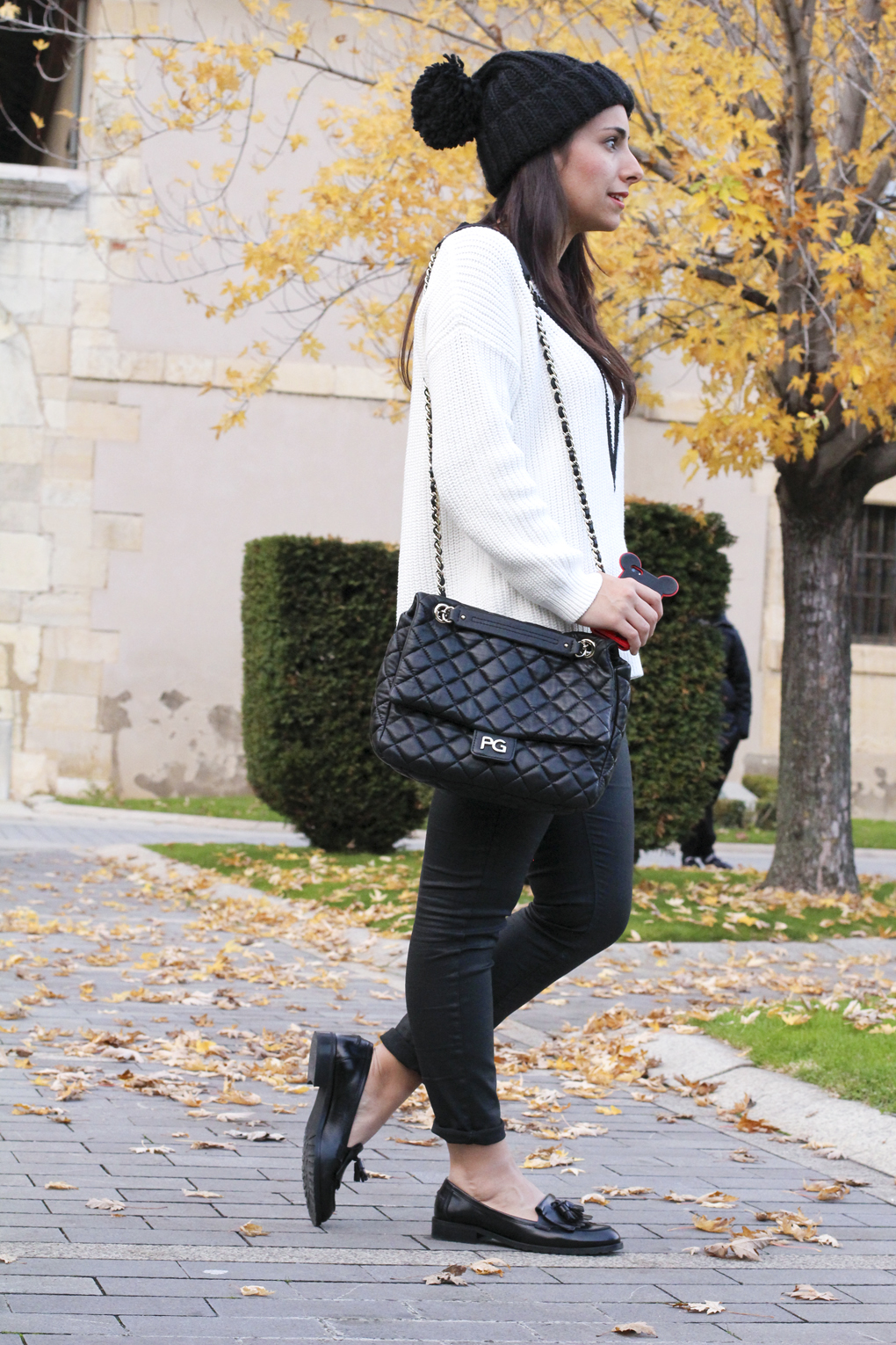 look-mocasines-dadá-look-con-mocasines-outfit-black-and-white