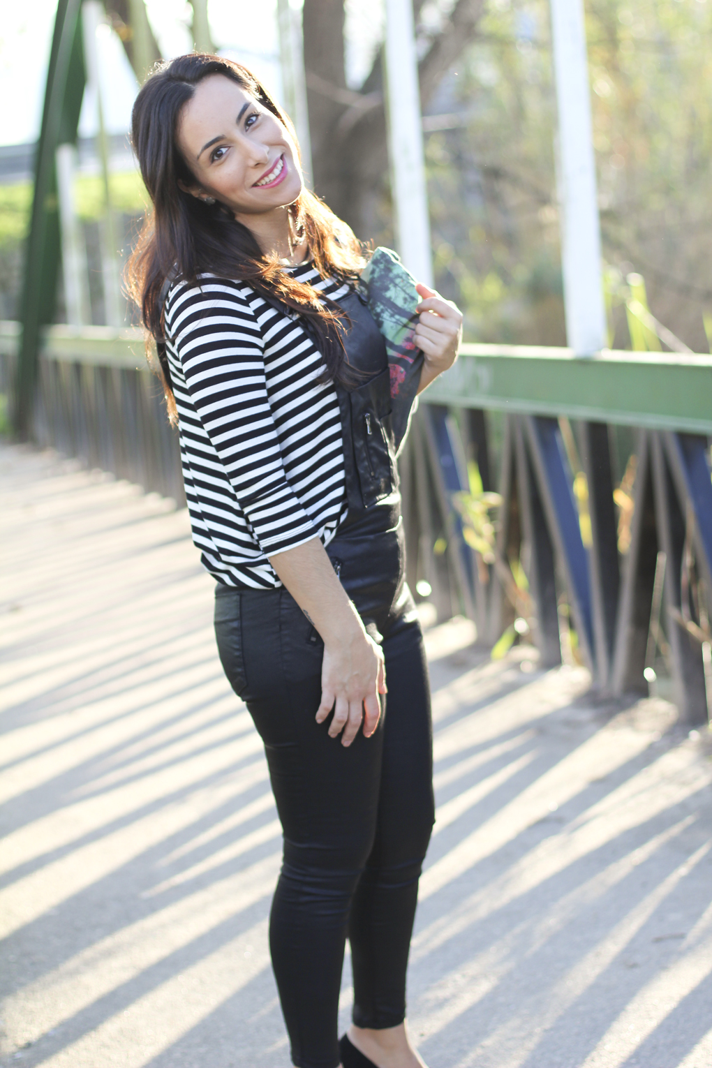 look-fashion-como-combinar-piel-con-rayas-moda-vigo-street-style-stripes-and-leather