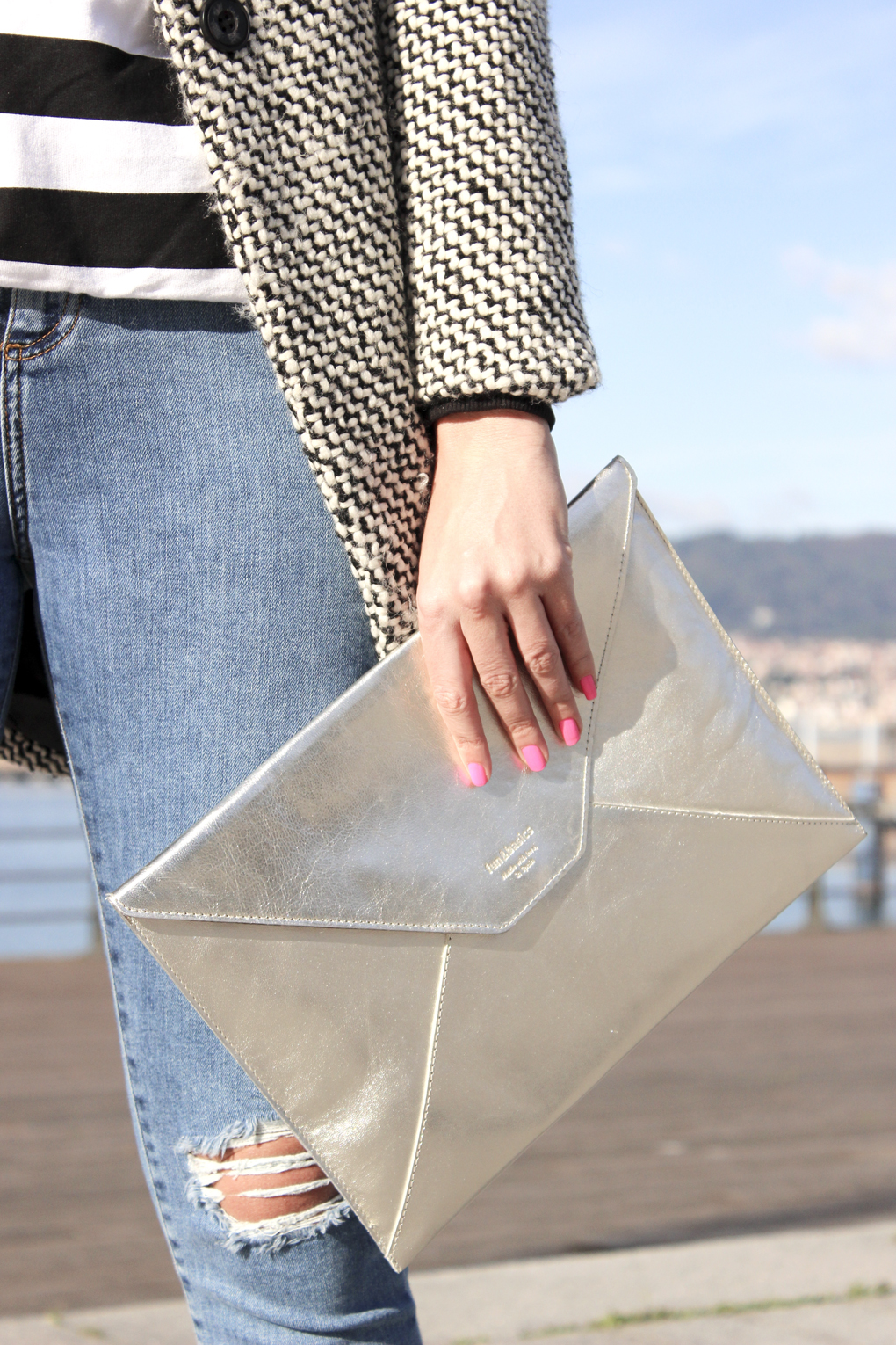 fun-and-basis-clutch-bolso-plata-sobre-accesorio