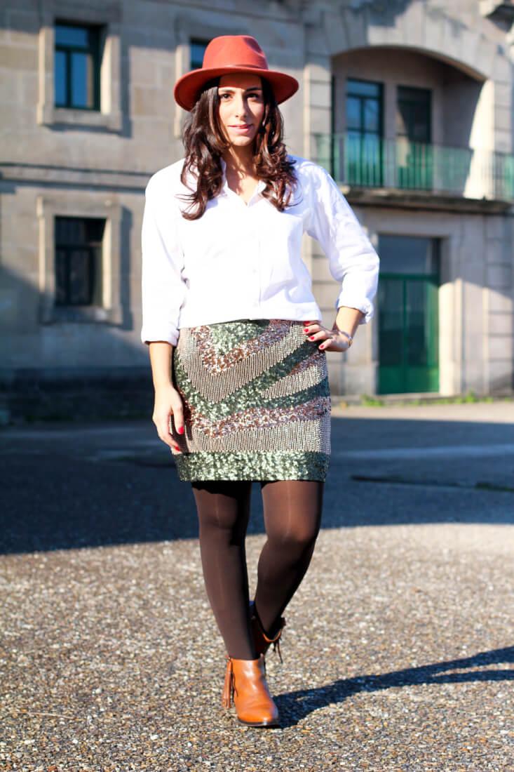 look-falda-lentejuelas-sombrero-ondas-botines-flecos-uterque-blog-moda-gallicia-blog-moda-vigo-street-style-pailletes-street-style-hat