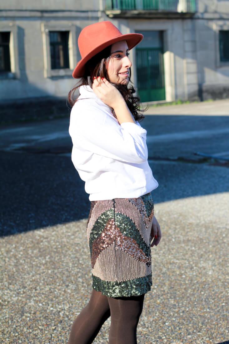 sombrero-ondas-look-falda-lentejuelas-look-lentejuelas-para-el-dia-como-combinar-falda-lentejuelas-para-el-dia-blog-moda-vigo-blog-moda-galicia-street-style