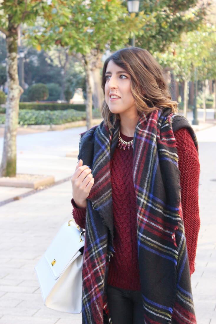 capa-bufanda-manta-cuadros-zara-inditex-botas-de-auga-tendencia-look-outfit-inspiracion-blog-moda