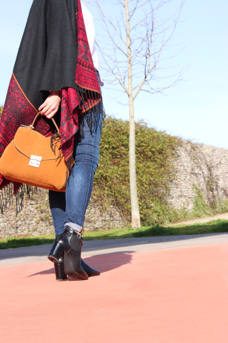 fashinodetails-fashion-trend-poncho-handbag-zara