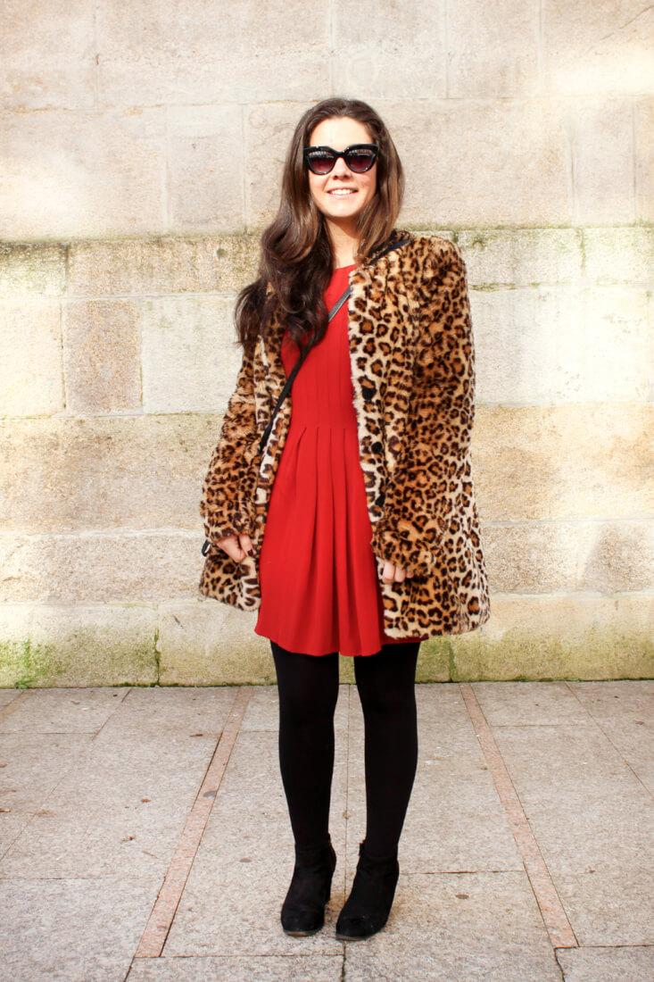 vigo-streetstyle-moda-galicia-abrigo-leopardo-vestido-rojo