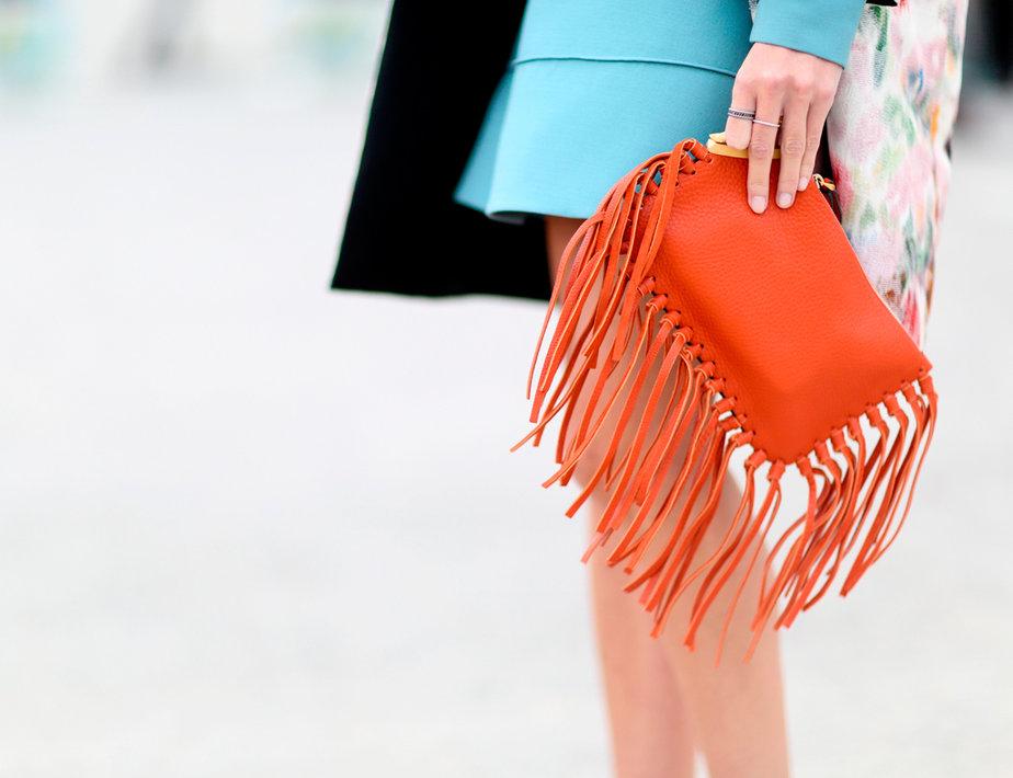 street-style-flecos-bolso-flecos-looks-con-flecos-fashion-inspiracion-flecos