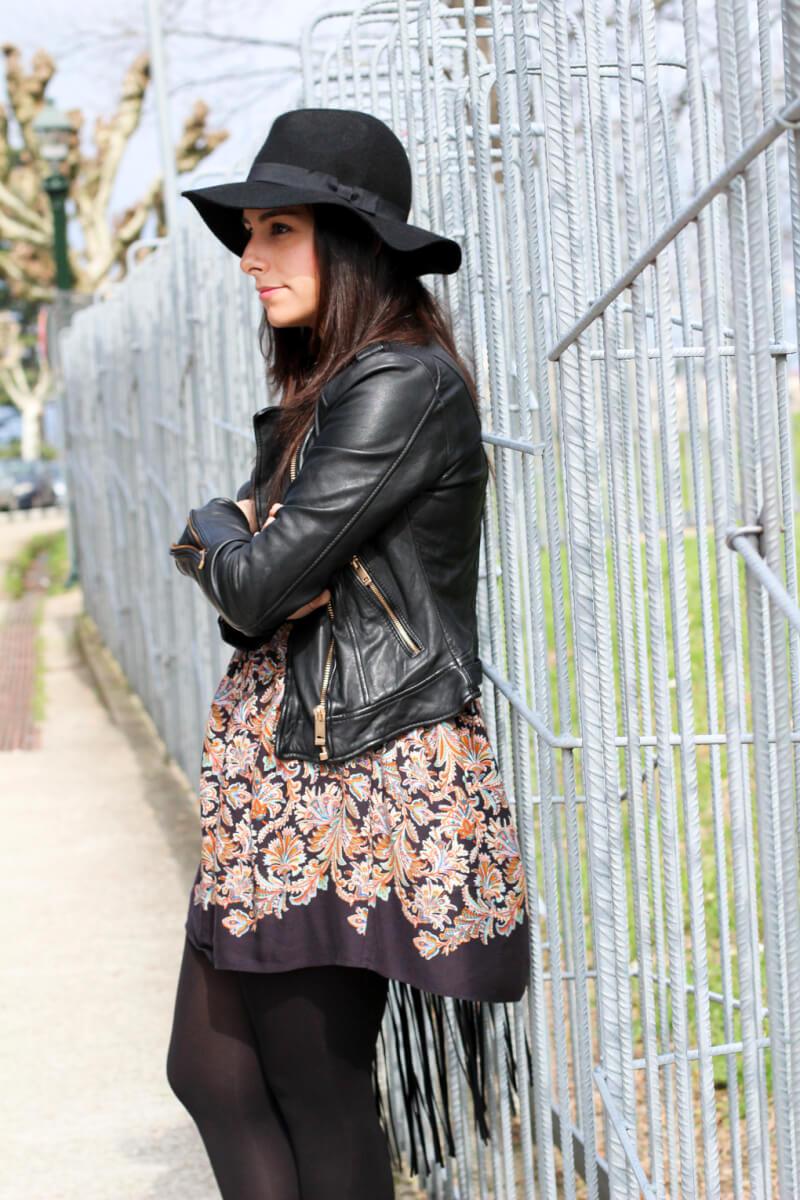 look-con-biker-perfecto-cuero-zara-perfecto-piel-zara-looks-con-sombrero-street-style-hat-siemprehayalgoqueponerse