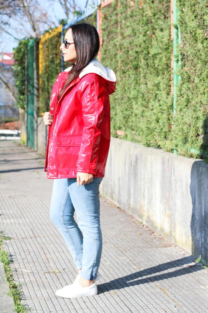 blog-moda-vigo-blog-moda-galicia-look-chubasquero-rojo-look-primavera-look-entretiempo