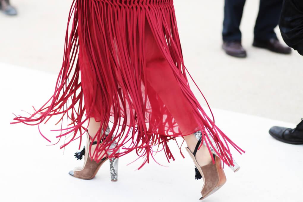 street-style-flecos-falda-con-flecos-looks-con-flecos