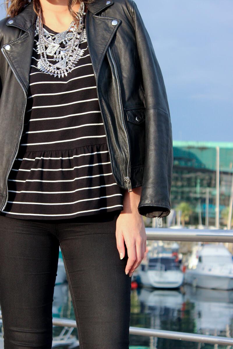 camiseta-peplum-negra-rayas-collar-parfois
