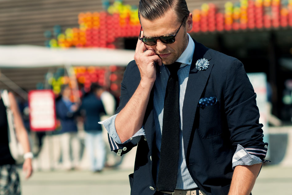 marcel-ostwald-and-his-navy-jacket-calling-street-style-men