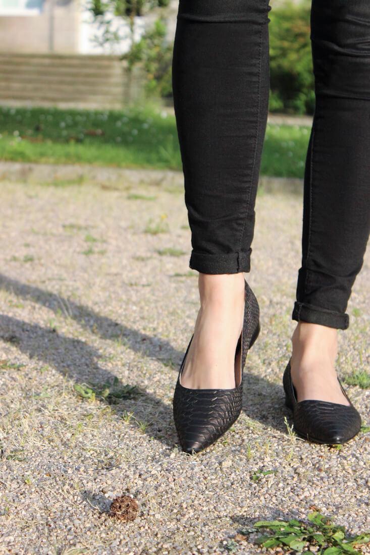 clarks-blog-moda-zapato-plano-serpiente-piel-tendencia-españa-siemprehayalgoqueponese-calzado