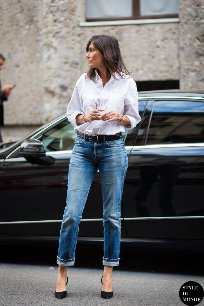 basicos-armario-jeans-vaquero-camisa-blanca-salones-negros-Emmanuelle-Alt