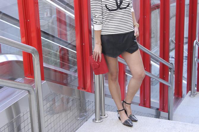 Chanel Sweatshirt