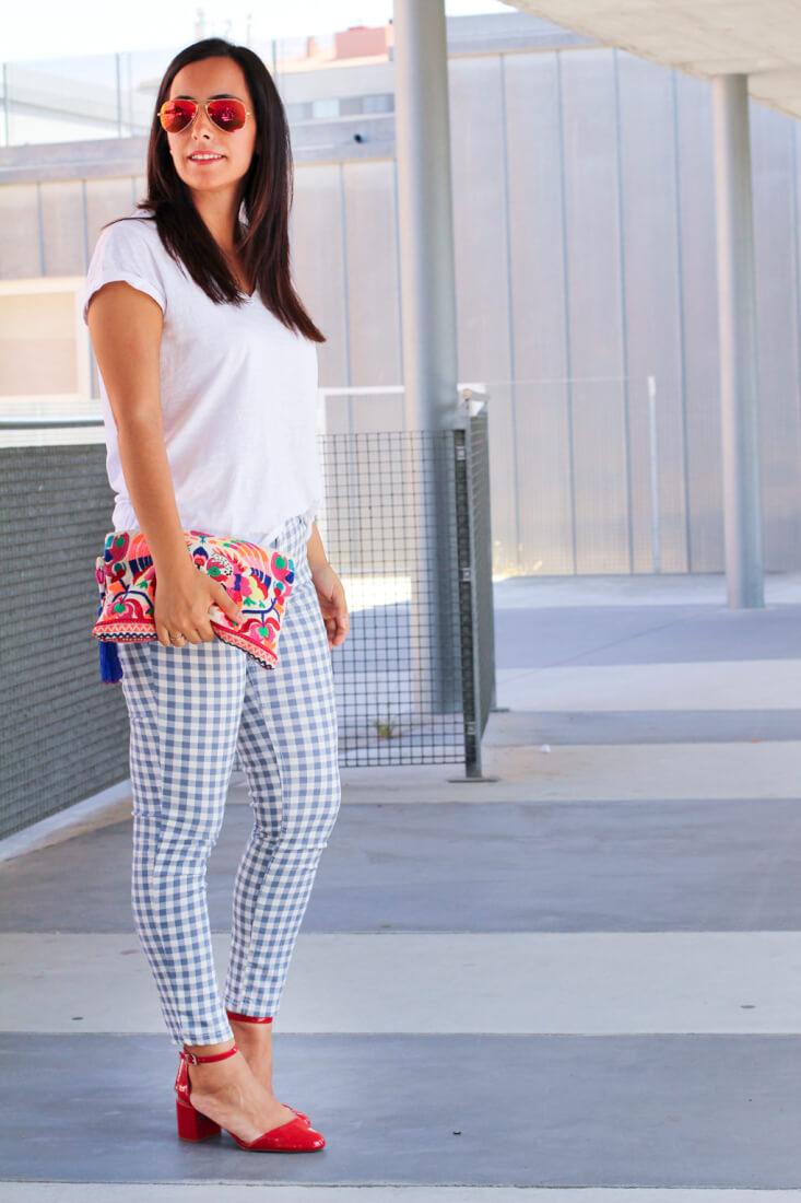 pantalon-cuadros-como-combinar-pantalon-cuadros-bolso-etnico-combinar-estampados-siempre-hay-algo-que-ponerse