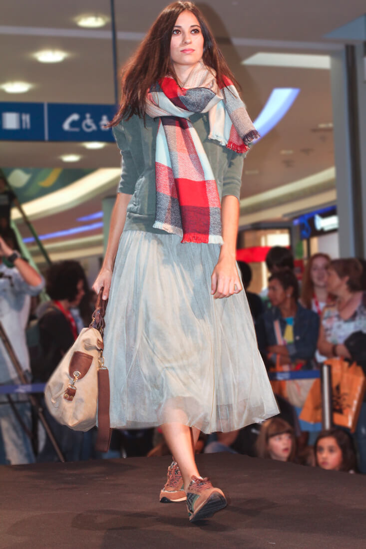 bufanda-cuadros-falda-tul-verde-pasarela-shoppingnight