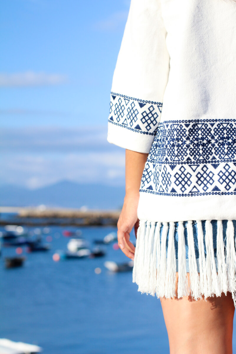 moda-vigo-kimono-flecos-zara-como-combinar-kimono-flecos-look-con-short-denim