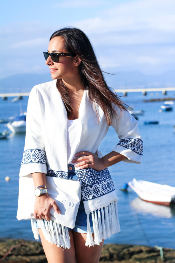 shaqp-moda-vigo-street-style-kimono-look-en-blanco-kimono-flecos-zara