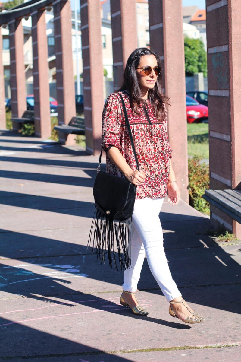 street-style-fashion-street-style-jeans-moda-galicia-blusa-folk