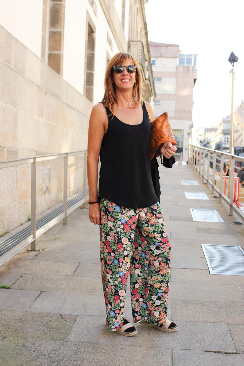 vigo-moda-blog-streetstyle-palazzo-estampado-flores-siemprehayalgoqueponerse