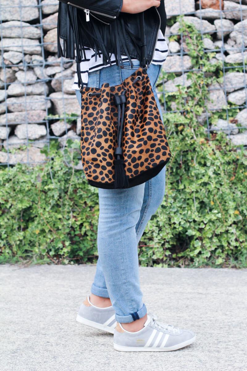 leopardo-siemprehayalgoqueponerse-moda-españa-moda-galicia-adidas-gazelle-street-style-sporty-chic