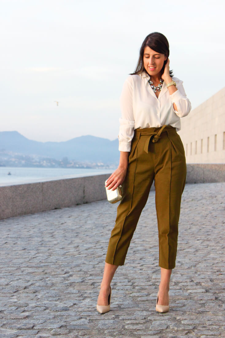 pantalon-talle-alto-look-camisa-blanca
