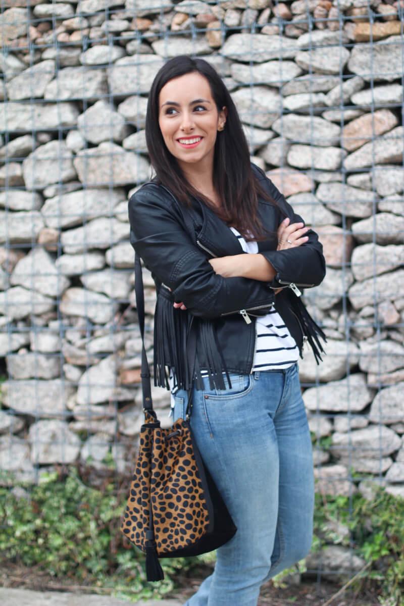 street-style-print-animal-jeans-adidas-gazelle-moda-galicia-blog-moda-galicia