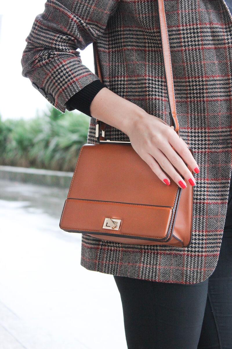 bolso-camel-marron-parfois-chaqueta-cuadros-blog-moda-gallego