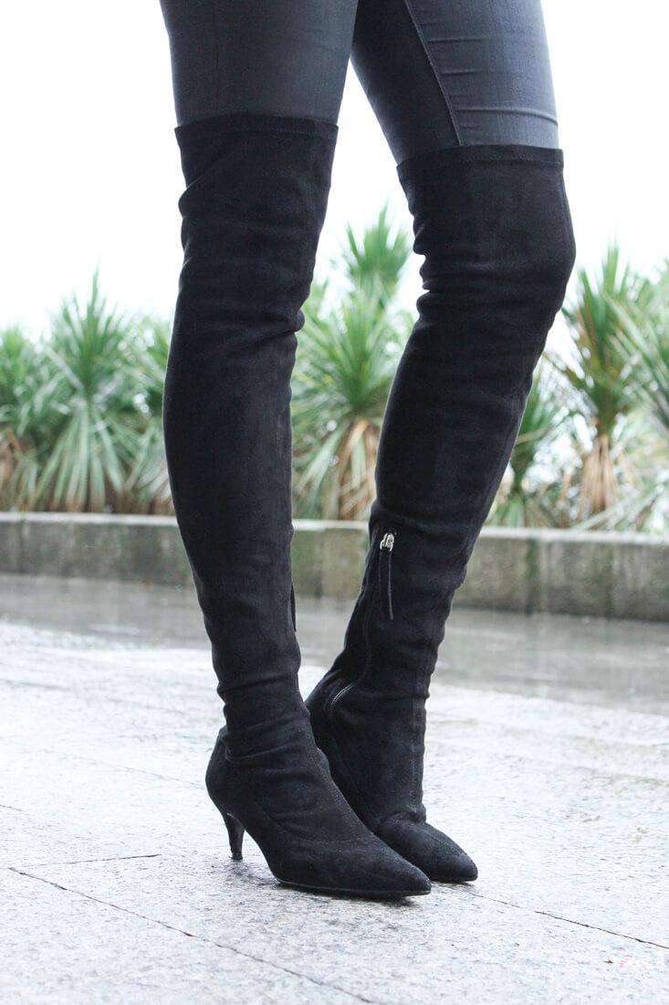 botas-altas-negras-ante-tacon-bajo-zara-tendencia-look