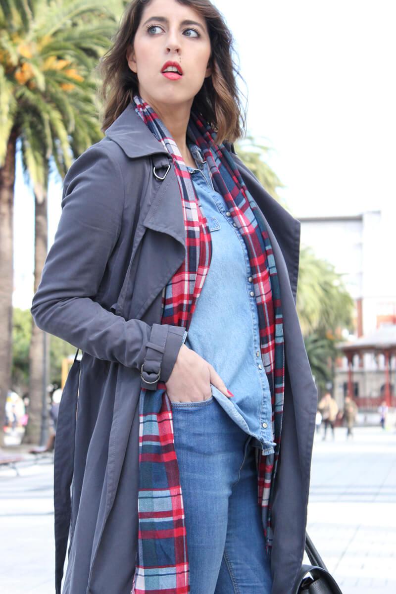 look-bufanda-cuadros-trench-gris-moda-blog-galicia-siemprehayalgoqueponerse