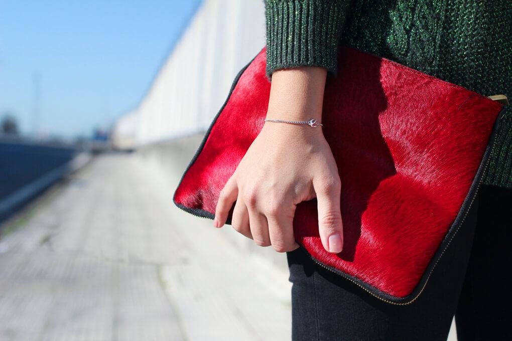 street-style-fur-clutch-street-style-bag-look-jersey-lana