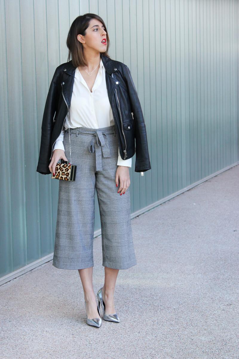 culotte-como-combinarlo-blog-moda-galicia-siemprehayalgoqueponerse-tacones-plata