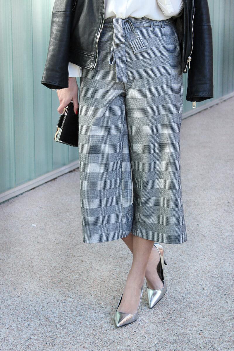 culotte-zara-estampado-look-tacones-plata