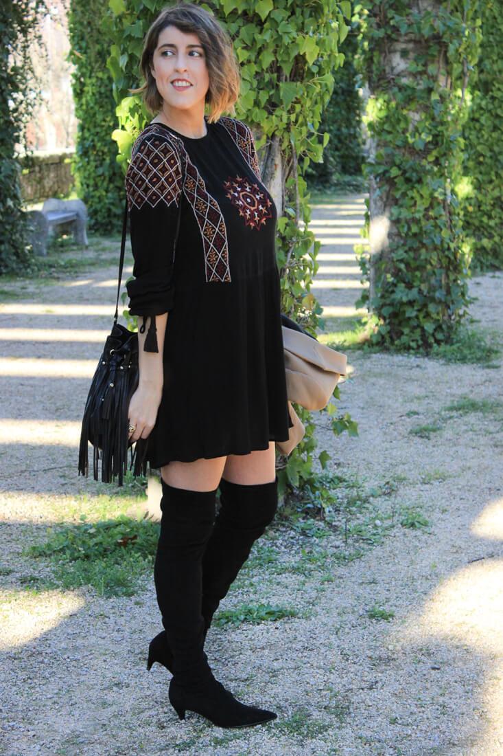 vestido-estilo-boho-botas-altas-zara-blog-moda-galicia-americana-camel