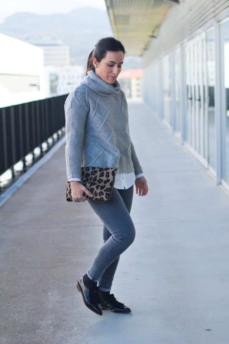 look-siemprehayalgoqueponerse-blog-moda-vigo-cluch-animal-print