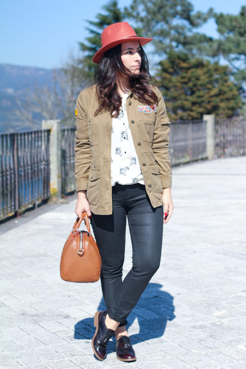 look-sobrecamisa-militar-oxford-pull-and-bear
