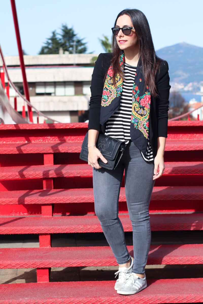 siempre-hay-algo-que-ponerse-look-pañuelo-portugués-blog-moda-vigo