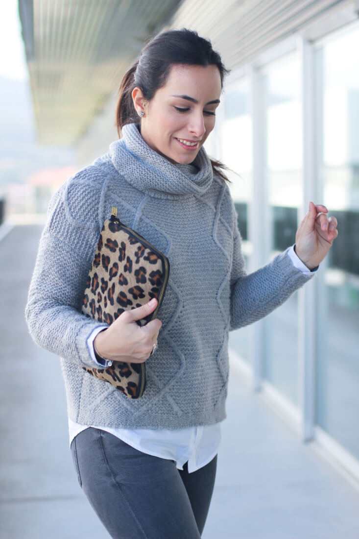 street-style-winter-cluch-animal-print