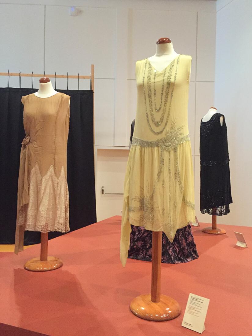 vestidos-diseño-moda-gallega-años-20-siemprehayalgoqueponerse-exposicion-confio-en-galicia-santiago-de-compostela