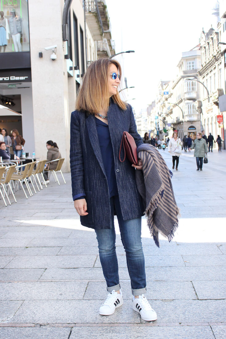 abrigo-denim-total-look-denim-street-style-adidas-superstar