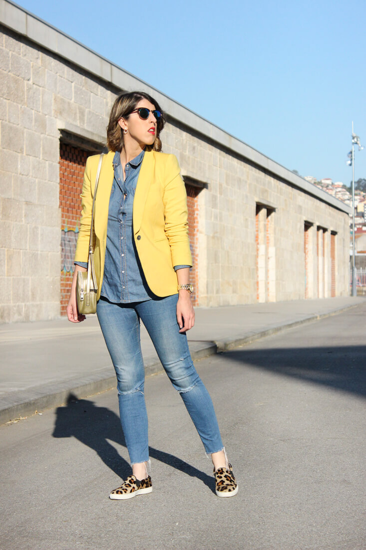 blazer-amarilla-zara-total-denim-slip-on-animal-print-blog-moda-galicia