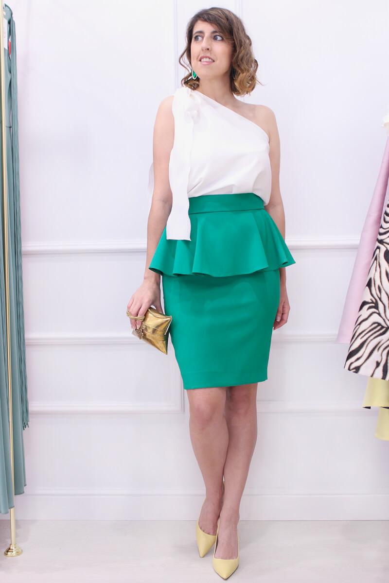 falda-peplum-verde-invitada-perfecta-blusa-asimetrica-SABS-tienda-vigo-look-boda