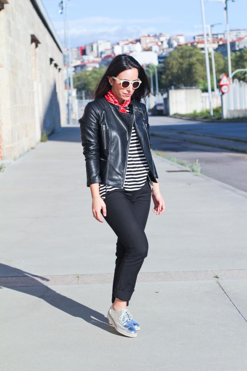 street-style-silver-oxford-bandana-roja