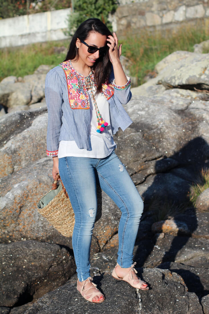 street-style-summer-street-style-jeans-chaqueta-bordada