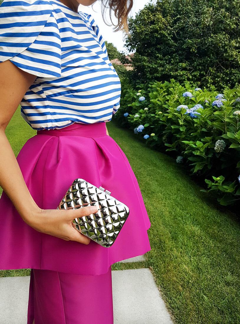 blusa-rayas-manga-tulipa-nunu-falda-peplum-clutch-plata-siemprehayalgoqueponerse-detalles-invitada-perfecta