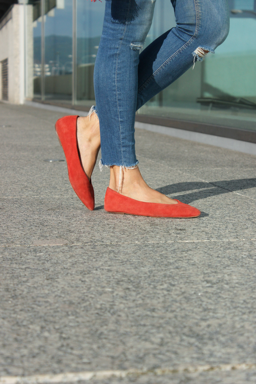 bailarinas-rojas-punta-bimbaylola-vaqueros-rotos