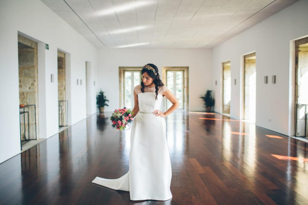 boda-en-pazo-de-cea-boda-galicia-look-novia-vestido-de-novia-sencillo